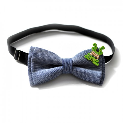Happy froggy bow tie